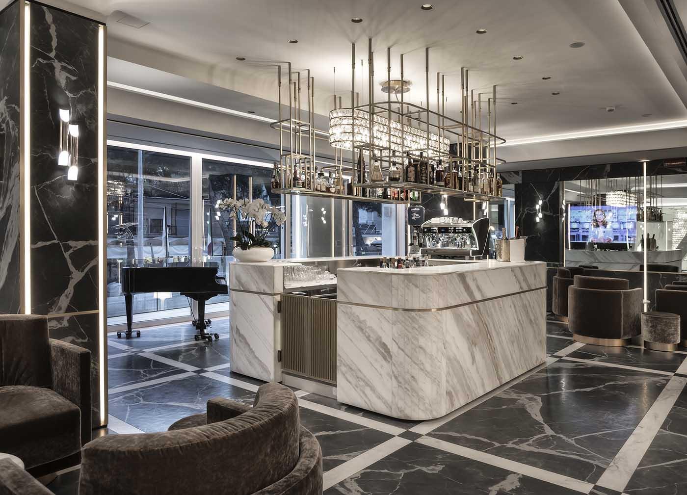 Hotel rimini 4 stelle sul mare hotel sporting e dei for Soggiorno rimini
